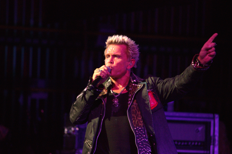 Billy Idol Doesn't Stay Idle |