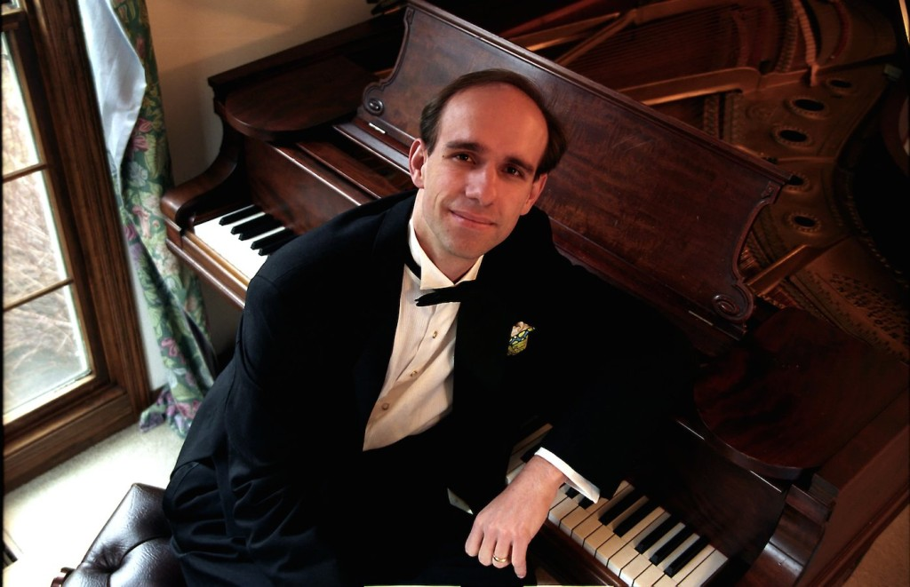 Pianist Christopher Taylor