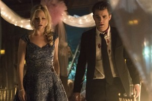 """The Vampire Diaries -- """"I'm Thinking of You All The While"""" -- Image Number: VD622a_0647.jpg -- Pictured (L-R): Candice Accola as Caroline and Paul Wesley as Stefan -- Photo: Tina Rowden/The CW -- © 2015 The CW Network, LLC. All rights reserved."""